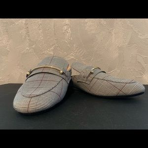 NWT Beautiful Plaid Mules